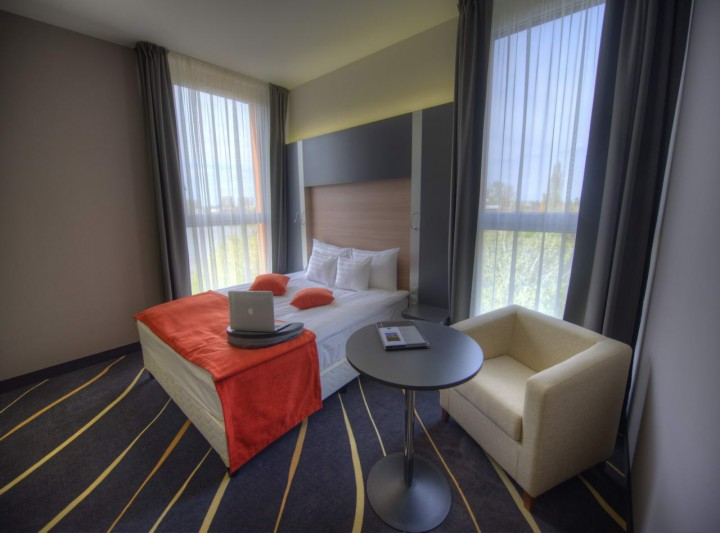 Best Western Plus Lakeside Hotel****